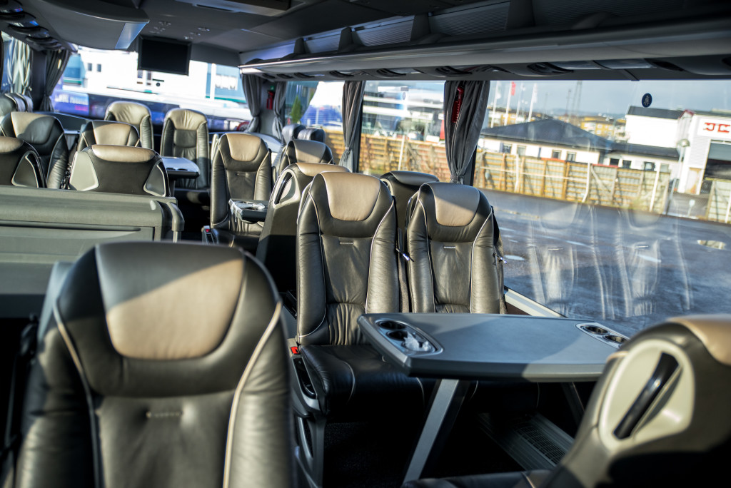 Interiör konferensbuss mitten